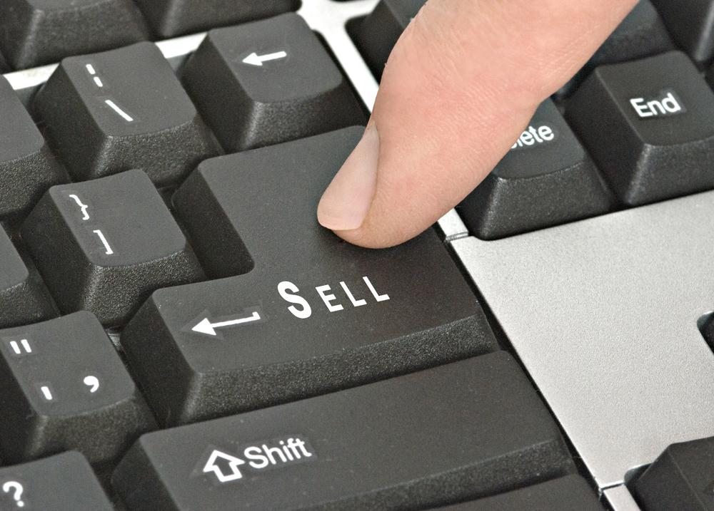 Managing divestitures for value and liquidity